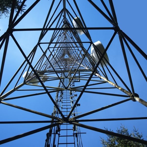 Helpful Facts about Cell Tower Safety for Landlords